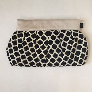 1154 Lill Studio Black and Cream Clutch Purse